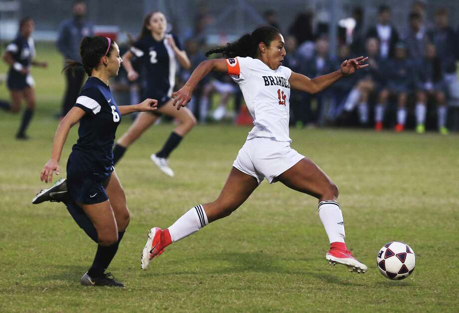 Brandeis' Marissa Arias (19) pushes the ball against O'Connor's Madison Herrera (06) during their game at Northside ISD Soccer Field on Friday, Feb. 9, 2018. O'Connor upset Brandeis 2-1. (Kin Man Hui/San Antonio Express-News) Photo: Kin Man Hui, Staff / San Antonio Express-News / ©2018 San Antonio Express-News