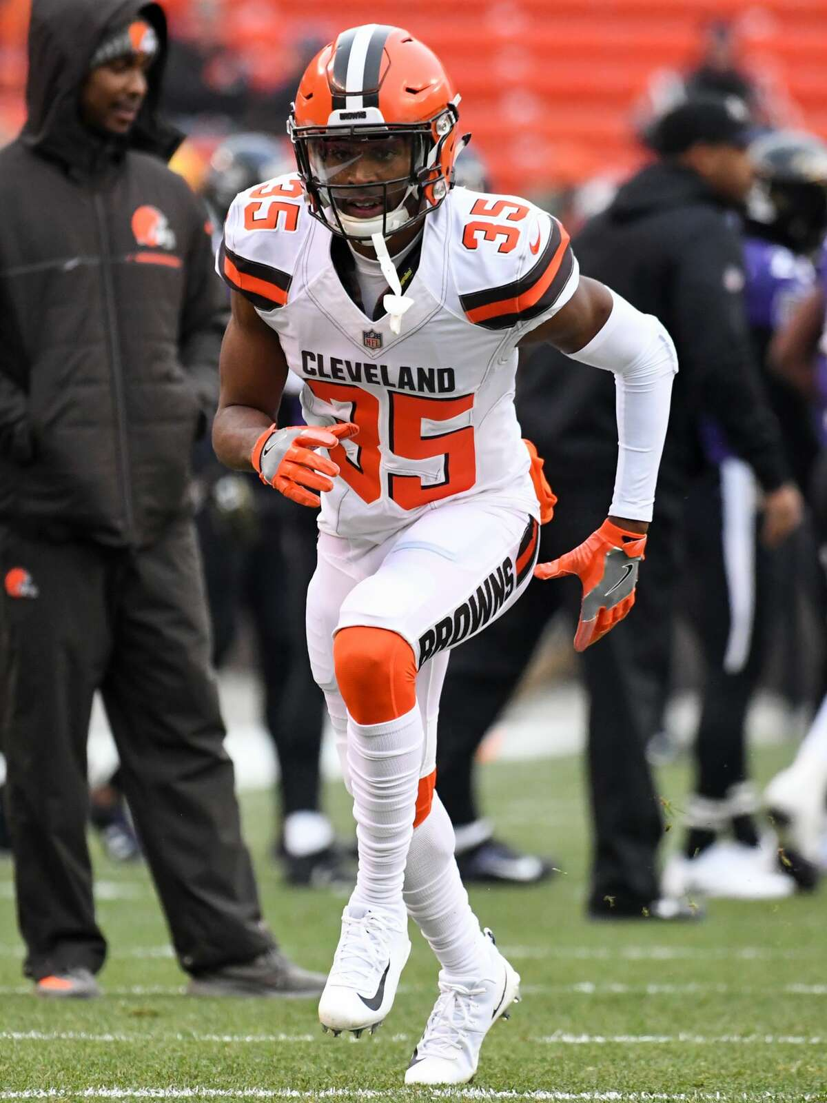 CLEVELAND, OH - DECEMBER 17, 2017: Defensive back C.J. Smith #35 of the Cleveland Browns warms up on the field prior to a game on December 17, 2017 against the Baltimore Ravens at FirstEnergy Stadium in Cleveland, Ohio. Baltimore won 27-10. (Photo by: 2017 Nick Cammett/Diamond Images/Getty Images)
