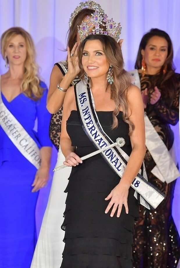 Jolyn Farber, a former Houston lawyer, took home the top prize in this year's Ms. International Pageant. Photo: PRNewsfoto/Jolyn Farber