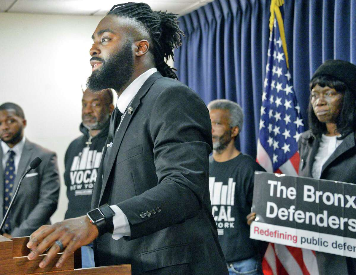 NFL Linebacker and Players Coalition member Demario Davis calls for true criminal justice reform that addresses the intertwined issues of bail, discovery, and speedy trial during a news conference Tuesday March 20, 2018 in Albany, NY. (John Carl D'Annibale/Times Union)