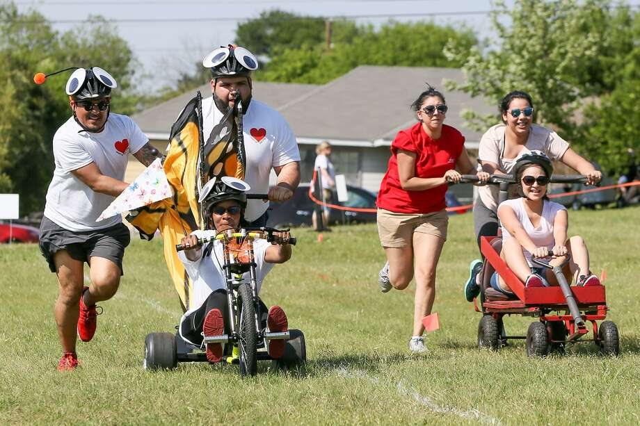 The 12th annual Dignowity Hill Pushcart Derby promises another raucous day of racing Sunday at 2 p.m. at Lockwood Park. Click through the images for tips on how to compete in the East Side event. Photo: Marvin Pfeiffer /San Antonio Express-News / Express-News 2017