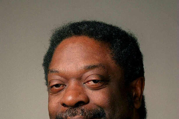 "This undated photo shows Les Payne, a journalist for nearly four decades with Newsday. The newspaper reported Tuesday, March 20, 2018, that Payne died unexpectedly Monday night at his home in Harlem. He was part of the Long Island newspaper's reporting team that won a Pulitzer Prize in 1974 for a series titled ""The Heroin Trail."" (Ken Spencer/Newsday via AP)"