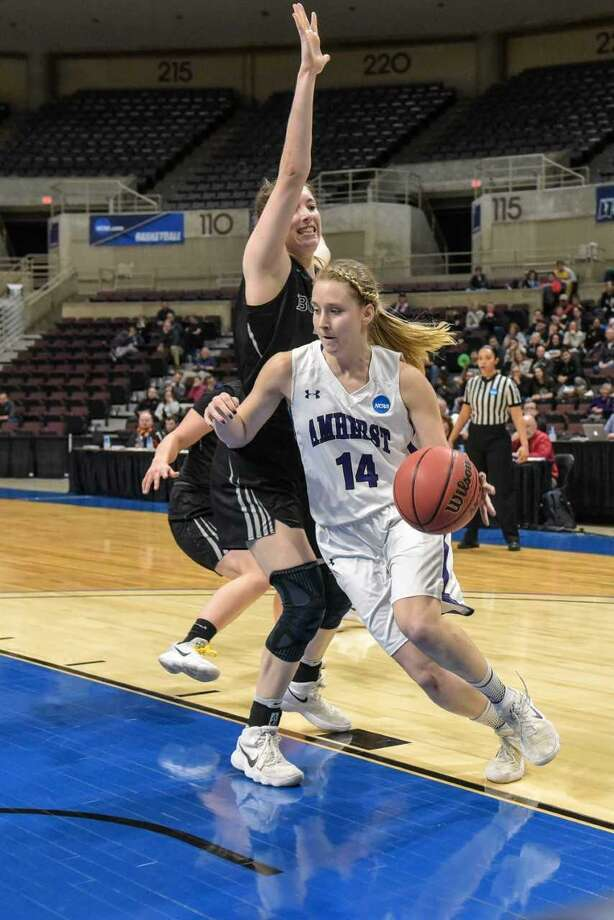 Amherst's Emma McCarthy, of Shelton, scored 25 points in the NCAA Division III national championship game against Bowdoin. Photo: Photo Courtesy / Amherst