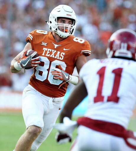 Cade Brewer filled in at tight in 2017 for the Longhorns as a freshman until a knee injury sidelined him. Photo: Tom Reel, Staff / 2017 SAN ANTONIO EXPRESS-NEWS