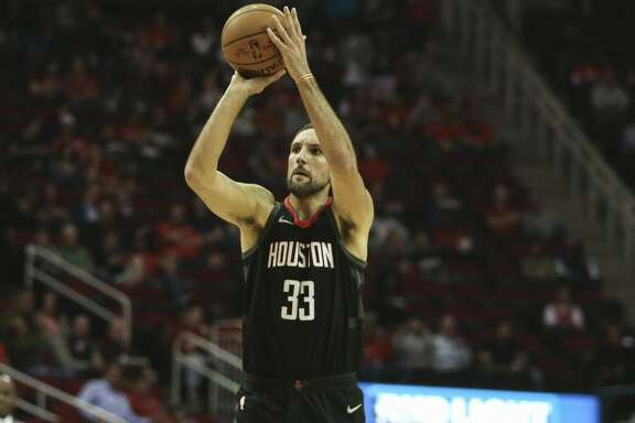 Houston Rockets forward Ryan Anderson (33) scores a three-pointer during the first quarter of a NBA game against the Indiana Pacers at Toyota Center on Wednesday, Nov. 29, 2017, in Houston. ( Yi-Chin Lee / Houston Chronicle )