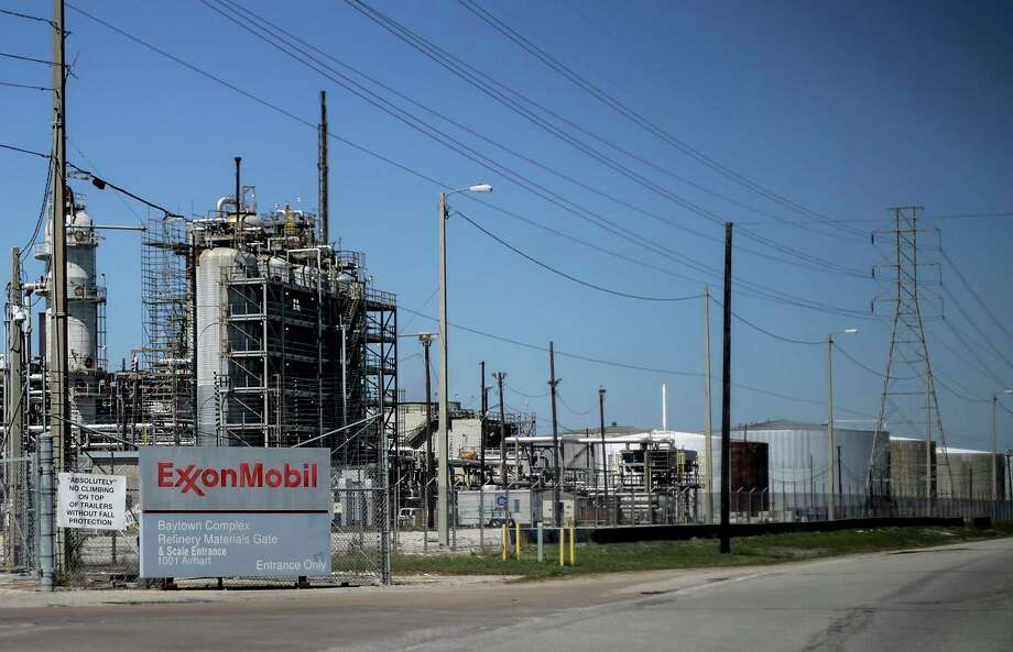 Exxon Chemical Company's petrochemical complex in Baytown, about 25 miles from Houston, is about to see a major $2 billion expansion.  NEXT: See the world's largest refineries.  Photo: Elizabeth Conley, Houston Chronicle / © 2018 Houston Chronicle