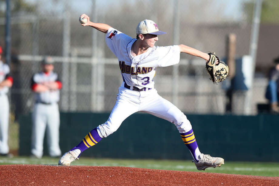 Midland High's Matt Wilkins (3) pitches against Amarillo Tascosa March 20, 2018, at Zachery Field. James Durbin/Reporter-Tele­gram Photo: James Durbin/Reporter-Telegram