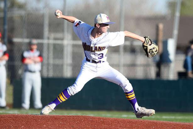 Midland High's Matt Wilkins (3) pitches against Amarillo Tascosa March 20, 2018, at Zachery Field. James Durbin/Reporter-Telegram