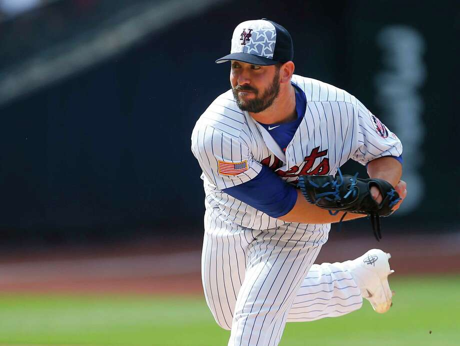 Pitcher Matt Harvey #33 of the New York Mets delivers a pitch against the Miami Marlins in the second inning during a game at Citi Field on July 4, 2016 in the Flushing neighborhood of the Queens borough of New York City. Photo: Rich Schultz / 2016 Getty Images