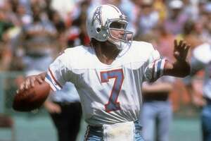 CLEVELAND, OH - OCTOBER 1:  Quarterback Dan Pastorini #7 of the Houston Oilers drops back to pass against the Cleveland Browns during an NFL football game at Cleveland Municipal Stadium October 1, 1978 in Clevlend, Ohio. Pastorini played for the Oilers from 1971-79. (Photo by Focus on Sport/Getty Images)