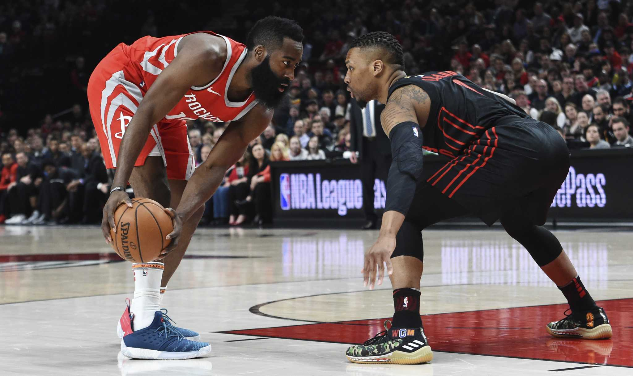 d02b6ec740a70e Why James Harden isn t traveling on his step-back 3-pointers ...