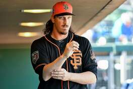 SCOTTSDALE, AZ - MARCH 09: Jeff Samardzija #29 of the San Francisco Giants walks through the dugout prior to the spring training game against the Seattle Mariners at Scottsdale Stadium on March 9, 2018 in Scottsdale, Arizona. (Photo by Jennifer Stewart/Getty Images)