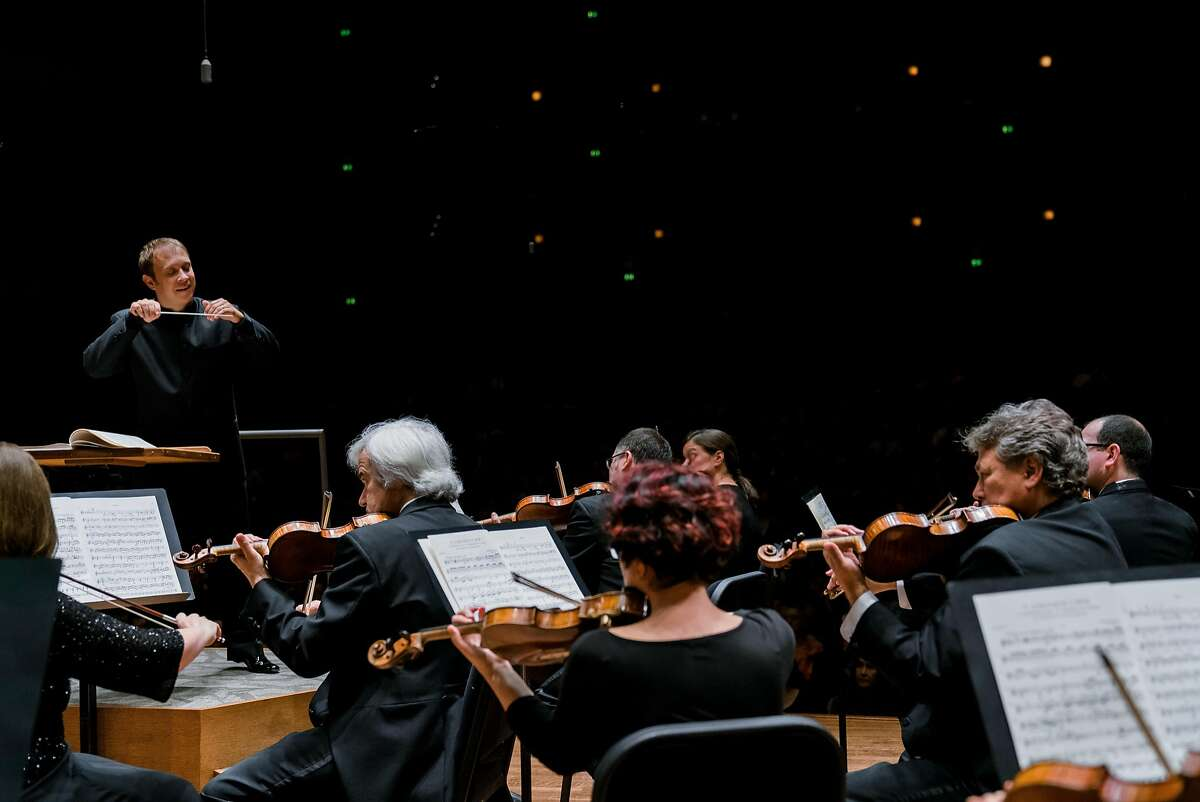 Ludovic Morlot conducts the Seattle Symphony