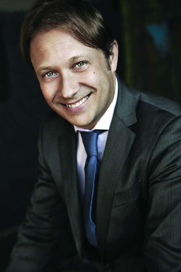 Conductor Ludovic Morlot Photo: Seattle Symphony