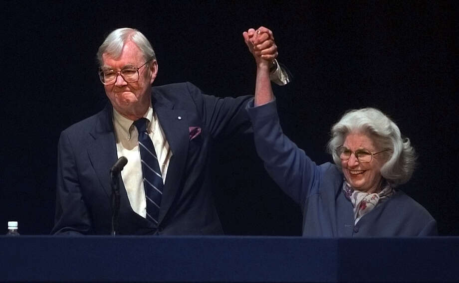 Senator Patrick Moynihan and his wife Liz acknowledge the crowd at the state Democratic convention on Tuesday May 16, 2000, at the Times Union Center in Albany, N.Y. Hillary Clinton was the Democratic nominee to run for his seat. (Philip Kamrass/Times Union) Photo: PHILIP KAMRASS / ALBANY TIMES UNION