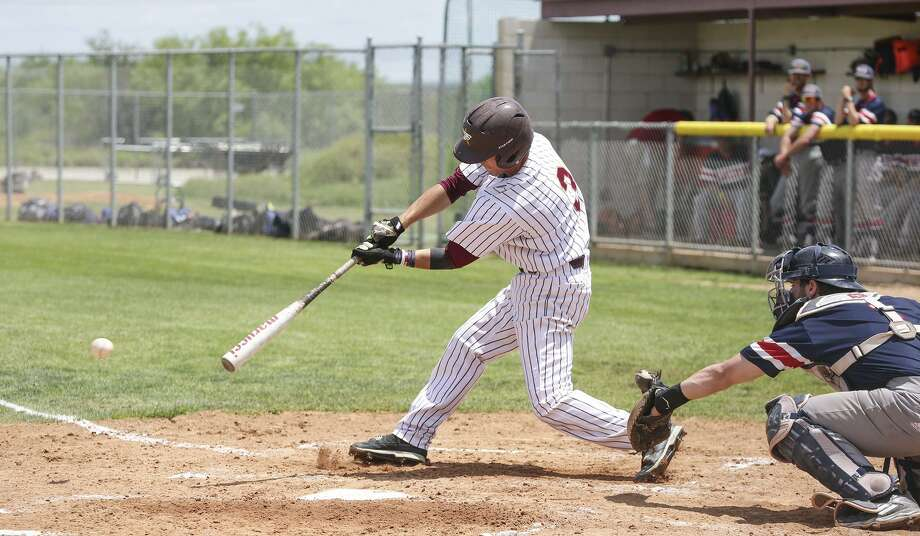 The Dustdevils host Arkansas-Fort Smith for two doubleheaders including Thursday at Jorge Haynes Field and Friday at Uni-Trade Stadium. TAMIU second baseman Mario Ramirez is hitting .304 this season, one of three on the team batting over .300. Photo: Laredo Morning Times Staff File / Laredo Morning Times