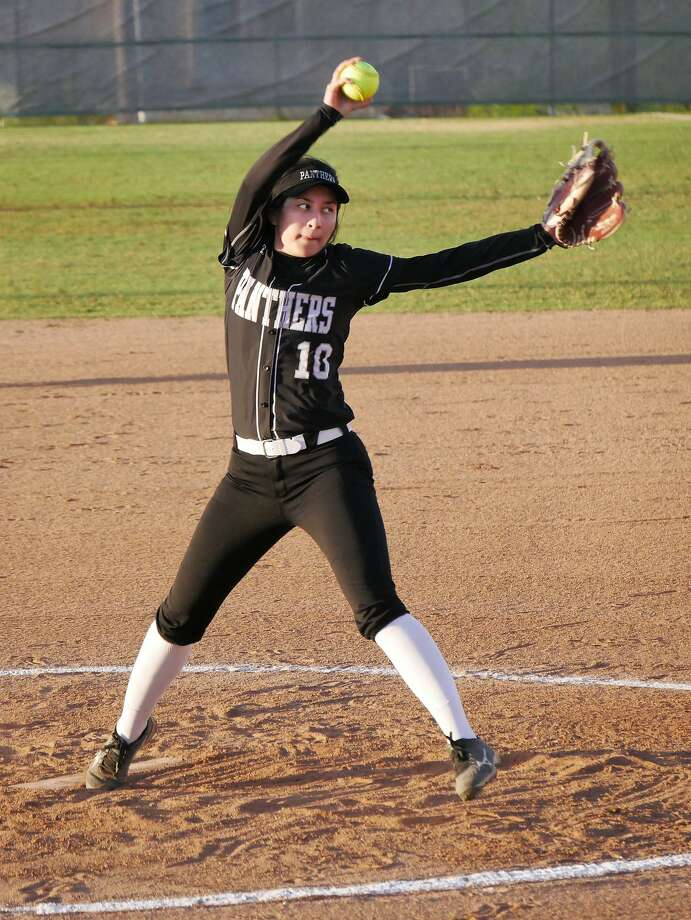 Mayra Perez had a game-high four RBIs Wednesday in United South's 16-3 win over LBJ at the SAC. Perez also earned the win holding the Lady Wolves to three runs with five strikeouts. Photo: Cuate Santos /Laredo Morning Times / Laredo Morning Times