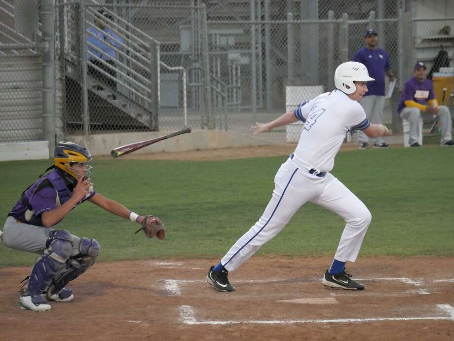St. Augustine recorded three hits in its 4-3 loss at the SAC on Wednesday. Photo: Cuate Santos /Laredo Morning Times / Laredo Morning Times