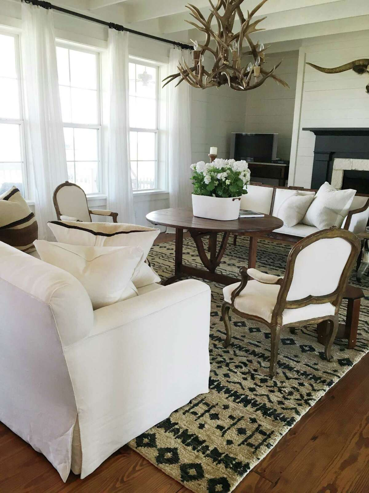 Houstonians Richard and Kimberley Rolland bought their weekend retreat in Carmine fully decorated from their own interior designer, Renea Abbott.