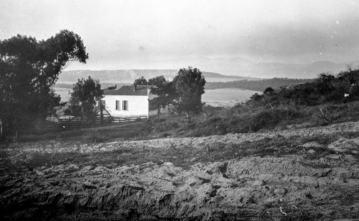 1900: The future location of 19th and Moraga.