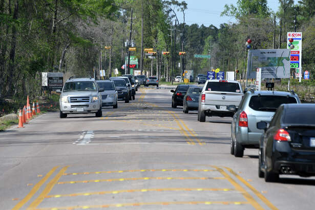 Traffic runs on Gosling Road near the intersection of West Rayford Road in Spring on March 21, 2018. (Photo by Jerry Baker/Freelance)