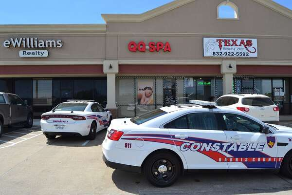 Police bust suspected prostitution spa in Spring neighborhood