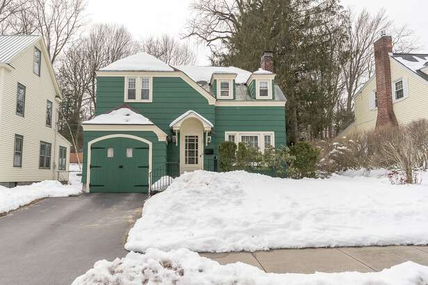 House of the Week: 108 Washington Rd., Scotia  | Realtor:   Sandra Nardoci of Berkshire Hathaway HomeServices Blake  | Discuss:  Talk about this house