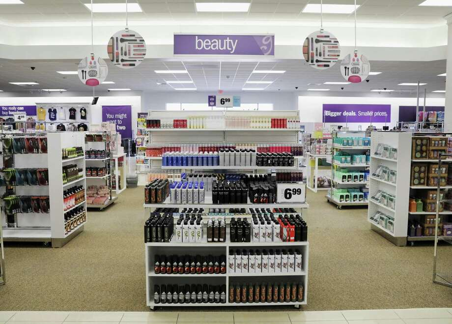 A view of the beauty section during a tour of the new Gordmans discount department store in Rosenberg, TX on Wednesday, March 21, 2018. Photo: Tim Warner, Freelance / For The Chronicle / Houston Chronicle
