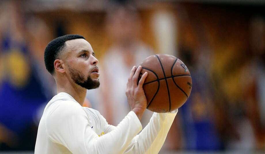 Warriors' Steph Curry during workouts at their practice facility in downtown Oakland, Calif., on Thurs. March 22, 2018. Photo: Michael Macor / The Chronicle