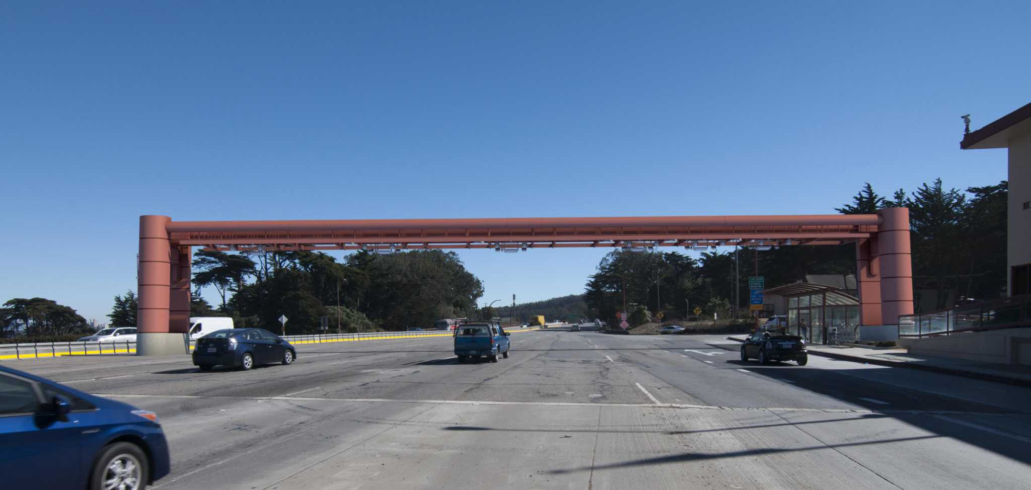 Designs rolled out for Golden Gate Bridge's future toll-taking structure | San Francisco Gate