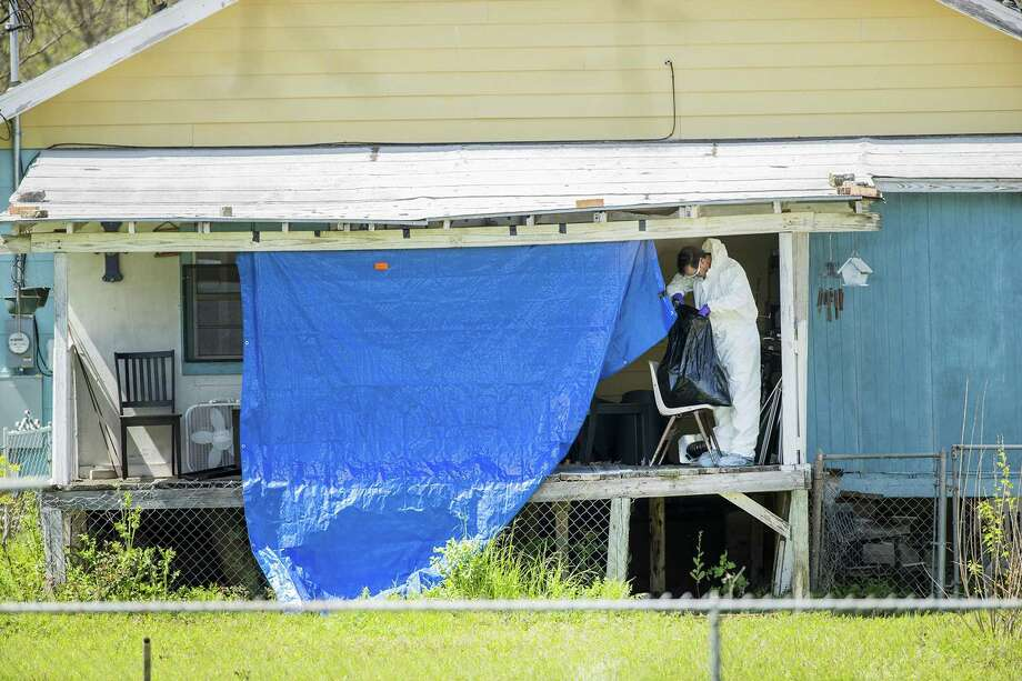 Federal agents continue to investigate the home of the Austin Bomber suspect in Pflugerville, Texas on Thursday, March 22, 2018. (Ricardo B. Brazziell/Austin American-Statesman/TNS) Photo: RICARDO B. BRAZZIELL, MBR / TNS / Austin American-Statesman