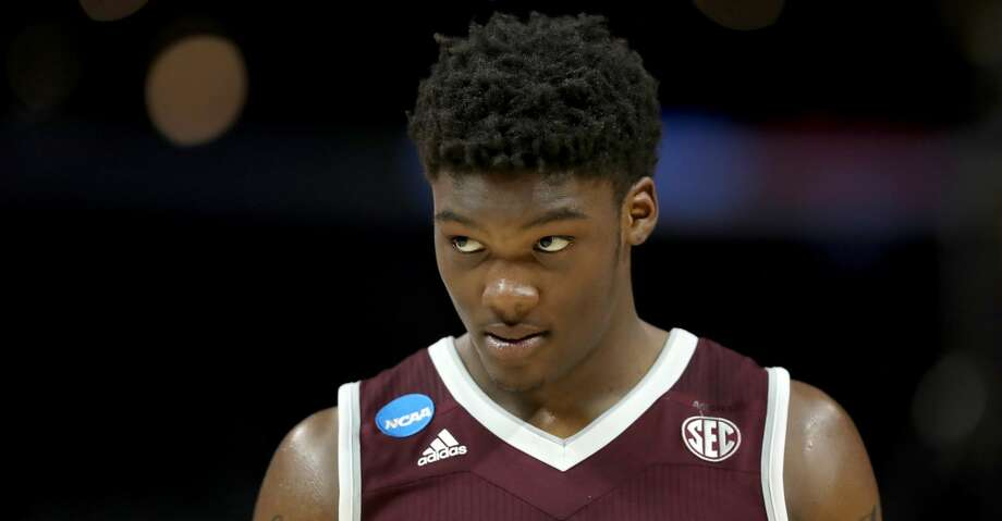 Texas A&M sophomore forward Robert Williams is turning pro. Photo: Ezra Shaw/Getty Images