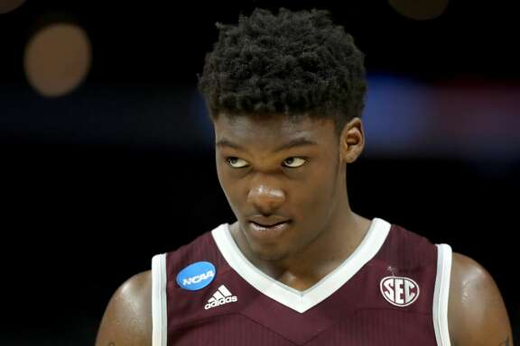 LOS ANGELES, CA - MARCH 22:  Robert Williams #44 of the Texas A&M Aggies looks on while taking on the Michigan Wolverines in the 2018 NCAA Men's Basketball Tournament West Regional at Staples Center on March 22, 2018 in Los Angeles, California.  (Photo by Ezra Shaw/Getty Images)