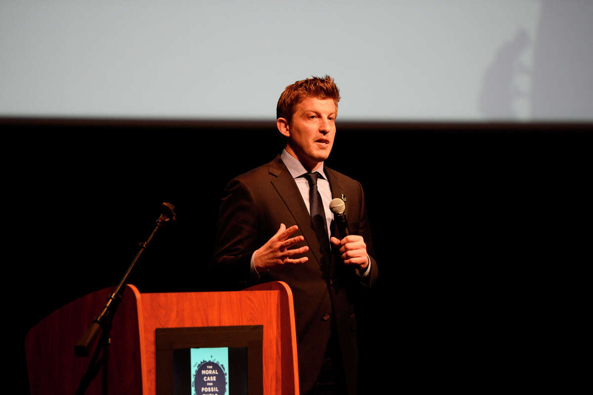 """Alex Epstein speaks on """"The Moral Case for Fossil Fuels"""" March 22, 2018, at the Wagner Noel Performing Arts Center. James Durbin/Reporter-Telegram"""