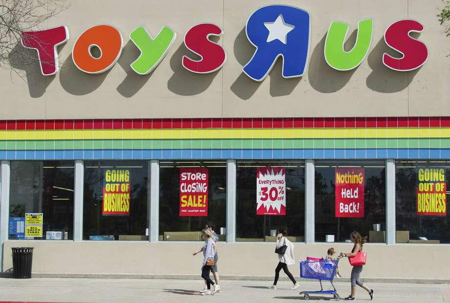 Liquidation sales at the bankrupt Toys 'R' Us chain begin Friday, according to a company spokeswoman. Photo: Jason Fochtman /Houston Chronicle / © 2018 Houston Chronicle