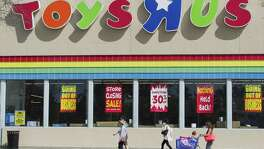 Liquidation sales at the bankrupt Toys 'R' Us chain begin Friday, according to a company spokeswoman.