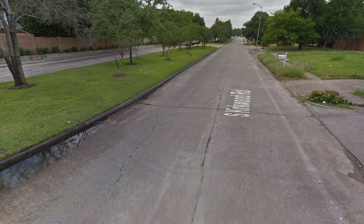 29.1200-1298 S Kirkwood Rd, Houston, TX 77077 Number of potholes filled here in 2017: 41