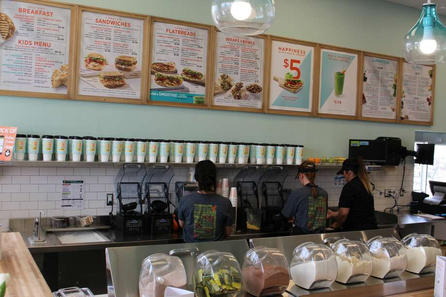 Tropical Smoothie Cafe opened Friday, March 23. Photo: Mercedes Cordero/Reporter-Telegram