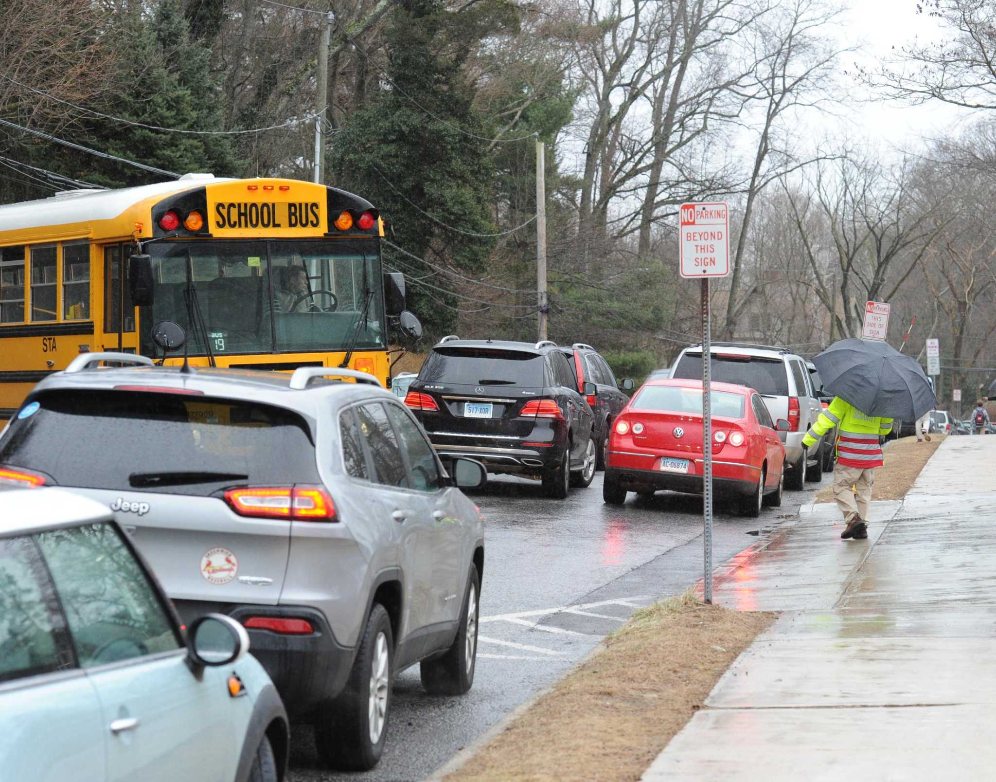 Selectmen form panel to solve parking, traffic woes at Greenwich High | Greenwich Time