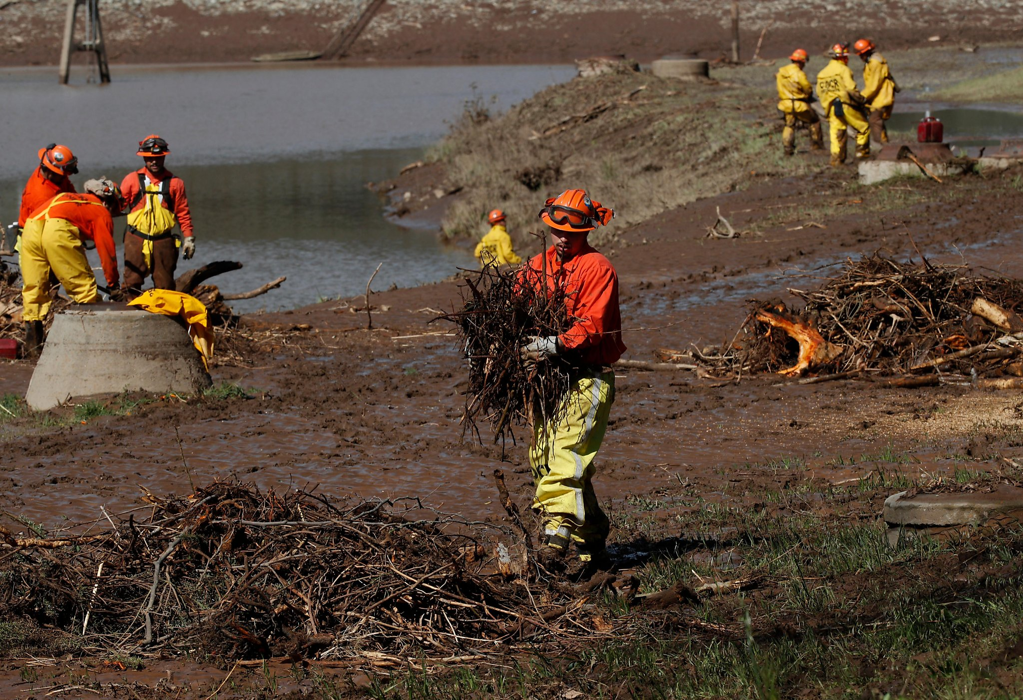 Evacuation orders lifted Saturday for residents near Moccasin Dam | San Francisco Gate