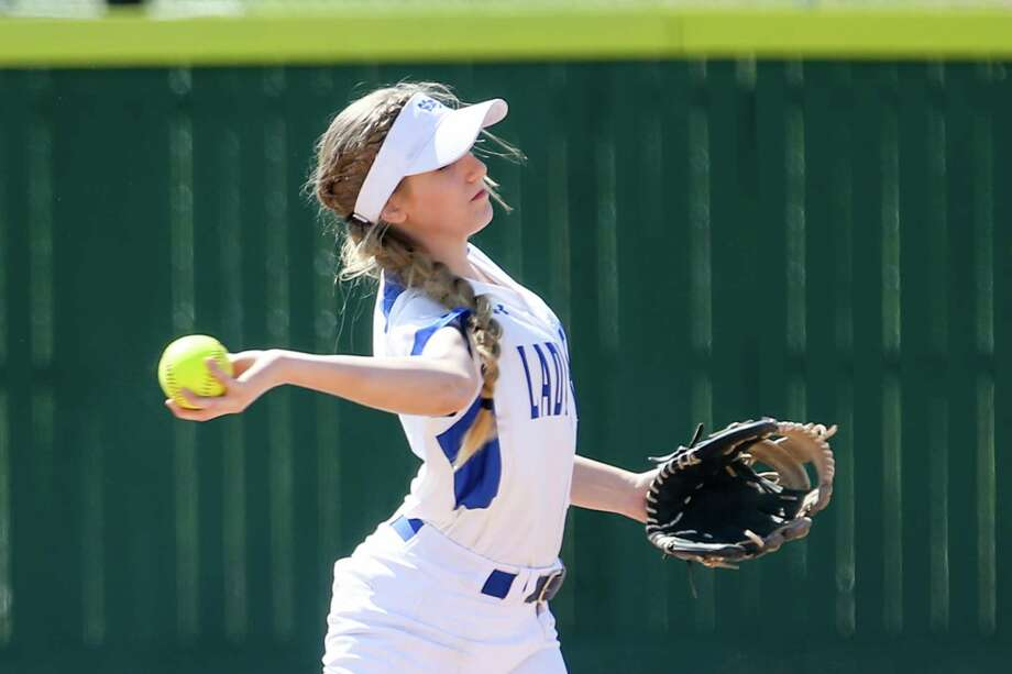 New Caney's Cassidee Love (6) fields the ball to first base during the softball game against Humble on Monday, March 12, 2018, in New Caney. (Michael Minasi / Houston Chronicle) Photo: Michael Minasi, Staff Photographer / © 2018 Houston Chronicle