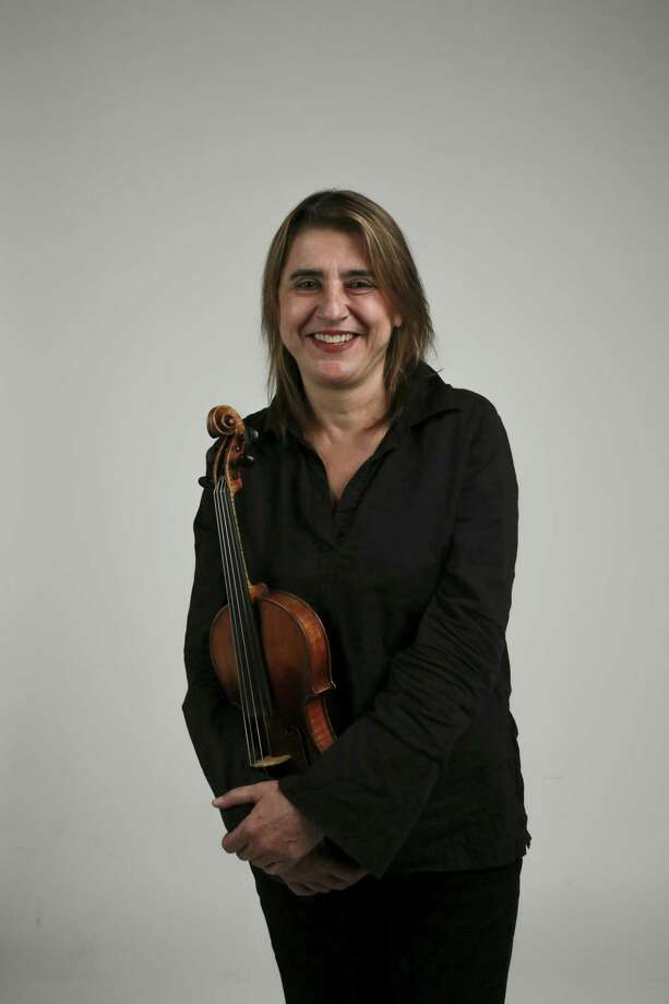 Violinist Nadja Salerno-Sonnenberg was on fire Friday, pulling double duty as violin soloist and conductor at the Tobin Center during a performance with the San Antonio Symphony. Photo: Michael Macor /San Francisco Chronicle / ONLINE_YES