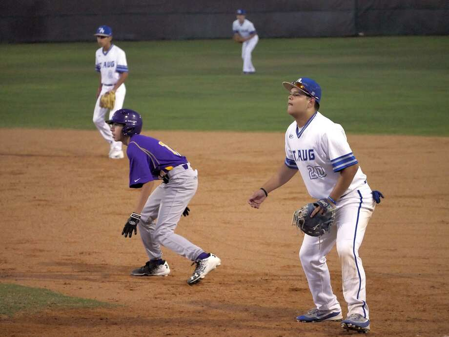 A shorthanded St. Augustine (2-3-1) fell to the United South JV 10-1 Saturday afternoon at the SAC for its second consecutive loss. Photo: Cuate Santos /Laredo Morning Times File / Laredo Morning Times
