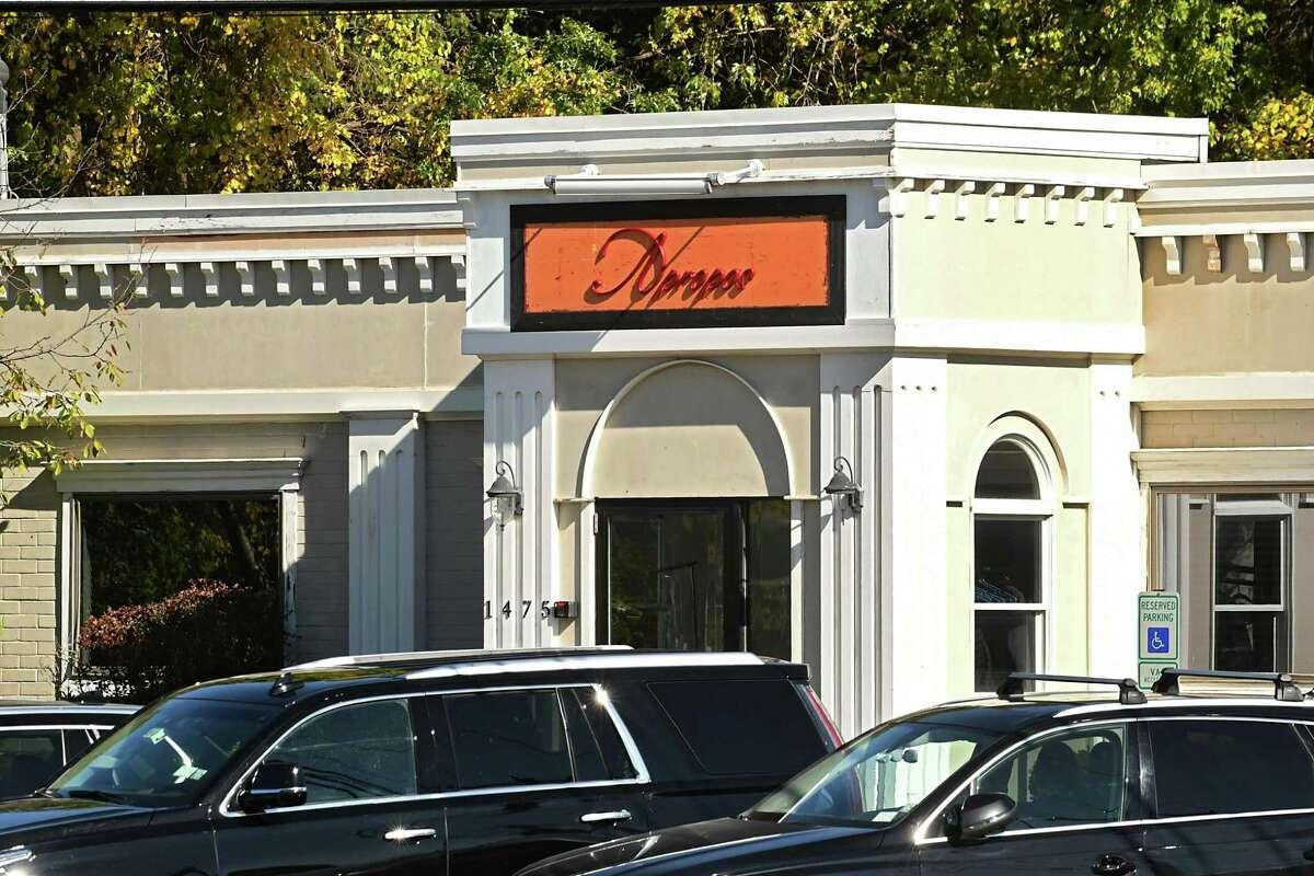 NXIVM often hosts seminars at this building on Route 9 in Halfmoon. (Lori Van Buren / Times Union)