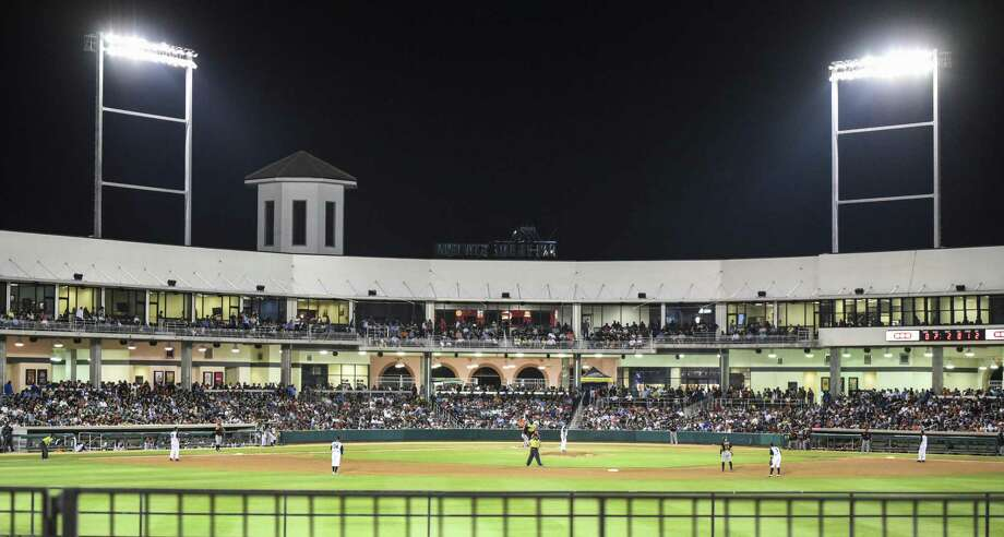 Uni-Trade Stadium was filled with fans for the 2018 Mexican League Baseball home opener for the Tecolotes Dos Laredos against Algodoneros de Unión Laguna. The Tecos scored three in the eighth in a 5-2 victory to start the year 2-0. Photo: Danny Zaragoza /Laredo Morning Times