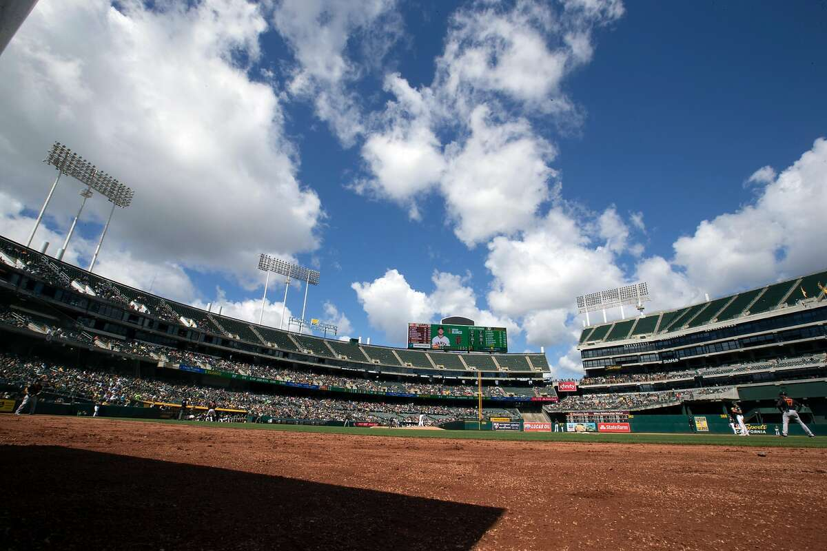 Oakland Athletics San Francisco Giants during the inning of a Major League Baseball game, Sunday, March 25, 2018 in Oakland, Calif.