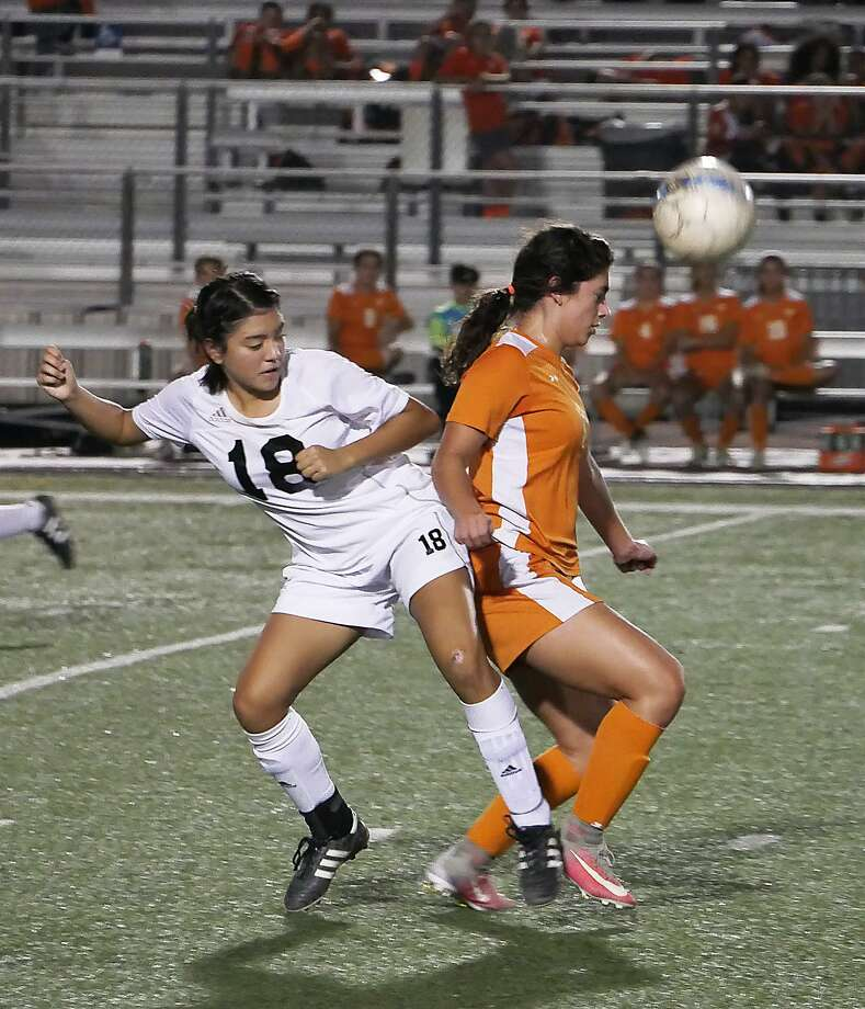First-place United (19-3-3, 12-2 District 29-6A) and fourth-place United South (16-2-10, 7-2-5) will play La Joya Juarez-Lincoln and McAllen, respectively, in the first round of the playoffs. Photo: Cuate Santos /Laredo Morning Times File / Laredo Morning Times