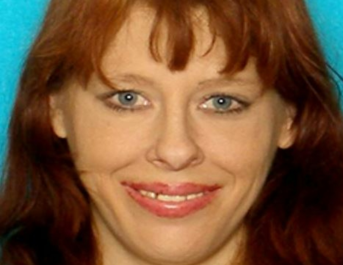 Tammy Fudge was found dead around 10 a.m. in a parking lot at the corner of North Flores and West Travis streets, near the Robert E. Lee Apartments.