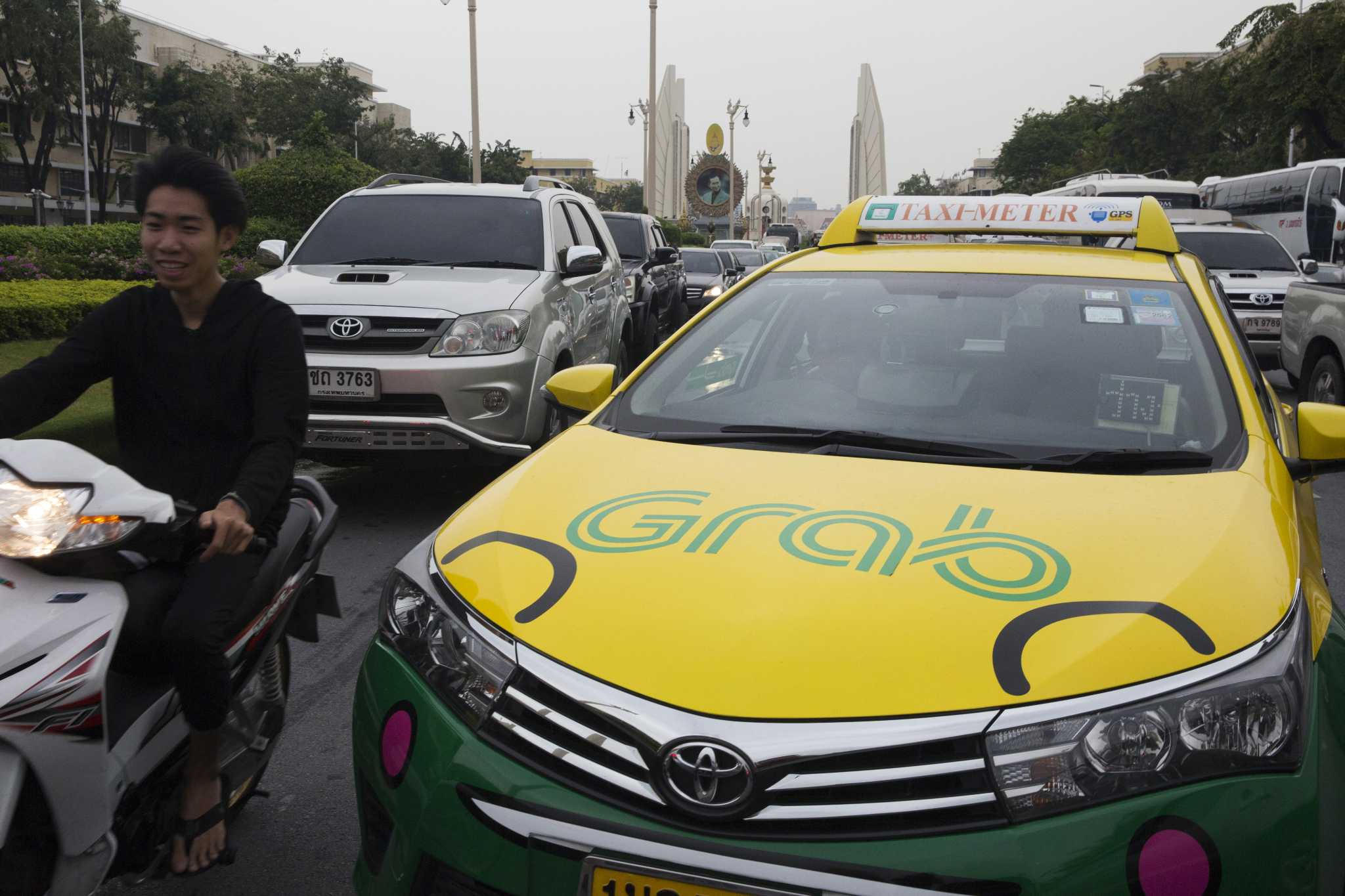 Uber cedes Southeast Asia to rival Grab in latest pullout