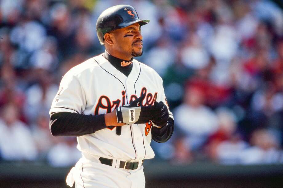BALTIMORE, MD - APRIL 25:  Albert Belle of the Baltimore Orioles bats during the game against the Oakland Athletics on April 25, 1999 at Oriole Park at Camden Yards in Baltimore, Maryland. (Photo by Sporting News via Getty Images) Photo: The Sporting News/Sporting News Via Getty Images